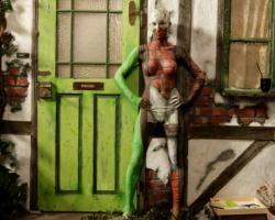 Bodypaintingmodell für die Farbe Messe München_11